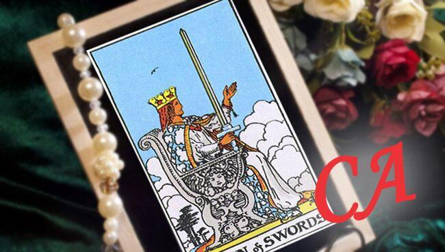 Королева мечей в сочетании с другими картами Таро: Старшими Арканами